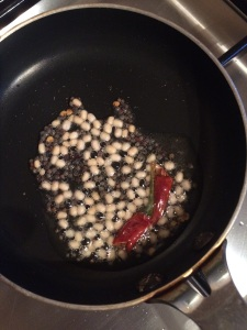 Let the urad dal brown well. that gives a crunchy effect to the chutney.