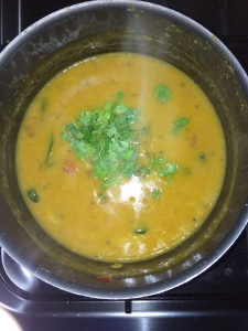 Garnish with coriander leaves.