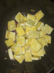 Now add the grilled tofu pieces to it.